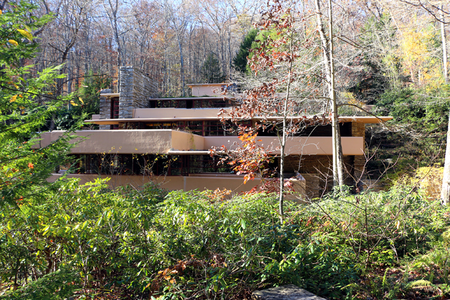 00-Falllingwater_frank_lloyd_wright_By Sailko - Own work, CC BY 3.0, httpscommons.wikimedia.orgwindex.phpcurid=63746180